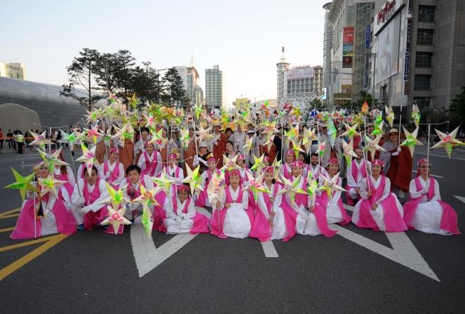 Lantern parade group pic