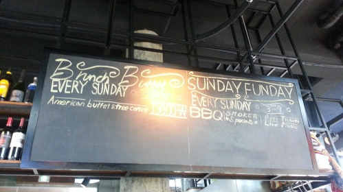 Sorry you can't see the time of the brunch because of the light. It's from 12 to 3pm