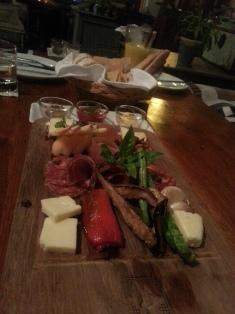 Silhouette tabla de ibericos y queso